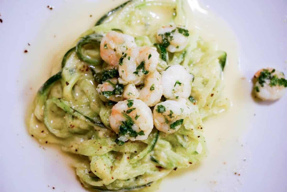 A healthy twist on a favorite: Fettucini alfredo ala cukes and cauli recipe uses nourishing bone broth & veggies for gluten free, dairy free pasta dinner
