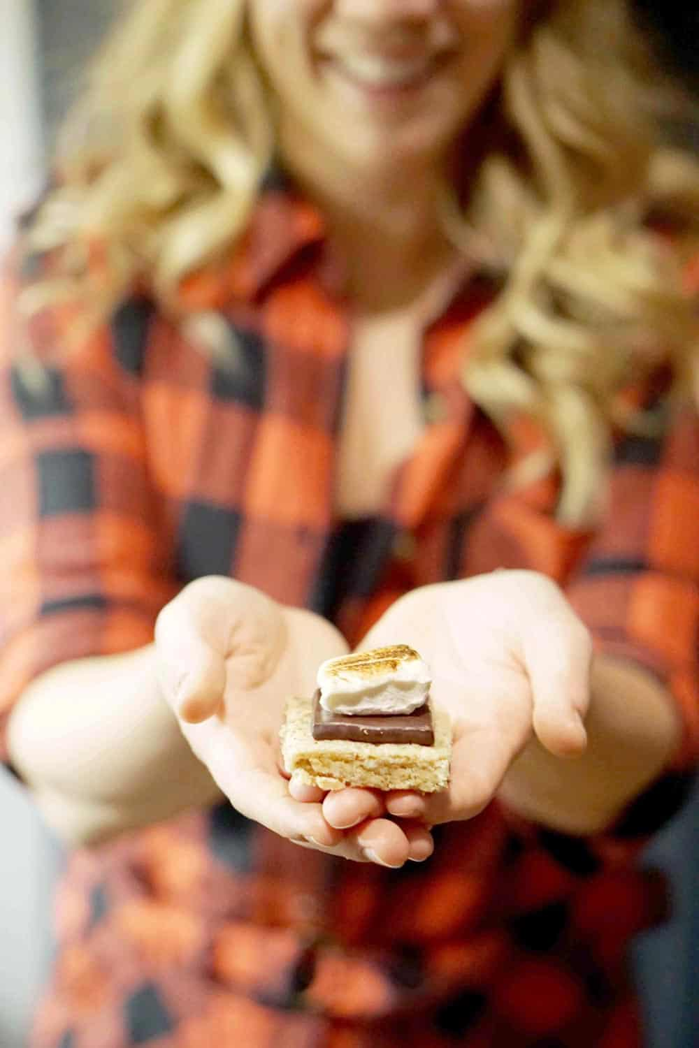 Indoor S'Mores, Chili Bar, Meatballs, Hummus Cukes, Champagne punch and more! Find a healthy and comforting menu for your lumberjack New Years Eve Party
