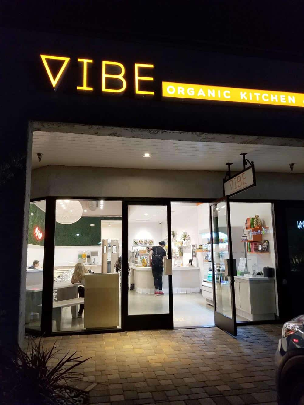 A review of Vibe Kitchen in LA, a place for fresh and delicious eats that won't disappoint.