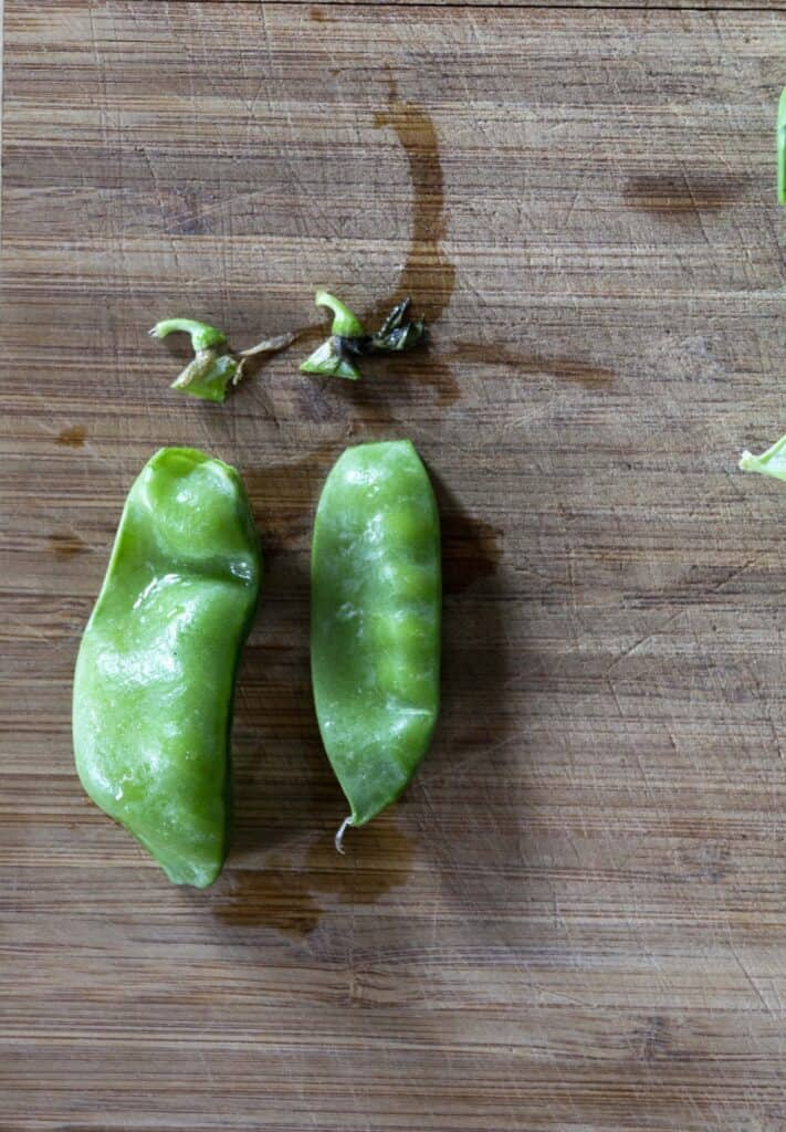 Snap peas with ends removed